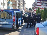 ACUM ! Brigada ANTITERO in Curtea de Argeş ! Desfăşurare impresionantă a mascaţilor şi jandarmilor in oraşul regal