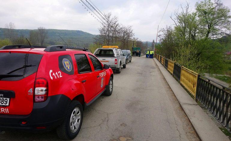 VIDEO ! NESIMŢIRE MARCA PSD – Podul de la Valea Danului blocat ilegal de angajatii CJ Argeş – Primarul Preda: VOM DA IN JUDECATA CJ ARGEŞ