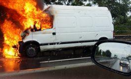 ACUM ! Maşină în flăcări în Argeş - Pompierii în alertă
