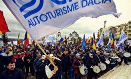 ACUM ! Angajaţii de la Uzina Dacia, protest în faţa Guvernului CE VOR SINDICALIŞTII DE LA MIOVENI