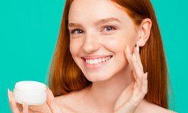 Acneea: tratamentul se face de la primele semne. Ce spun dermatologii