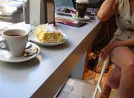 SIGUR ÎL ŞTIŢI ! Patron din Curtea de Argeș oferea cafea după vot ! S-a ales cu o plângere împotriva sa