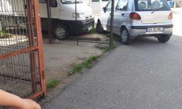 ARGEȘENII SESIZEAZĂ: Consilierul Ionel Păunescu ne blocheză parcarea...