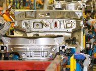 După trei luni de producție maximă, Dacia reduce ritmul de fabricație la Mioveni
