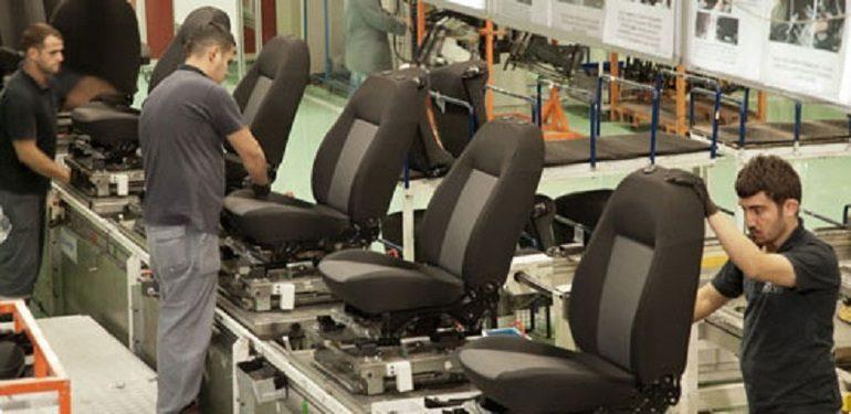 NOI LOCURI DE MUNCĂ! Turcii care produc scaune pentru Logan și Sandero extind fabrica din Argeş