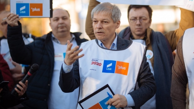 Vețti proaste pentru Dacian Cioloș! Dezvăluiri importante din trecutul acestuia