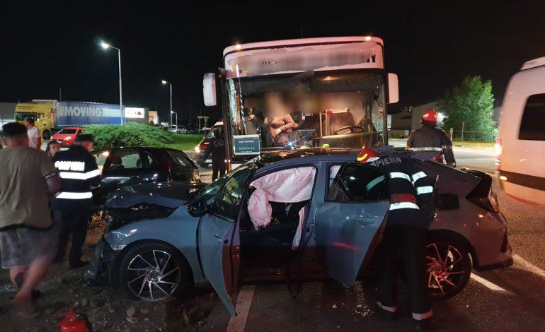 ACUM! Accident grav in Argeș – Autobuz plin cu calatori implicat într-un