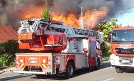 VIDEO ACUM! Incendiu de proporții în Argeș - Pompierii în alertă maximă