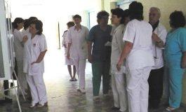 ANGAJĂRI PE BANDĂ RULANTĂ LA SPITALE - La Curtea de Argeş se caută 7 asistenţi medicali