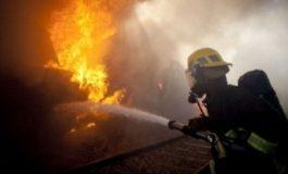 Casă în flăcări la Albești