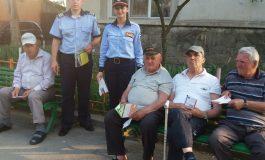 """Polițiștii argeșeni au predat pensionarilor  ,,Pomana regelui Cioabă"""""""