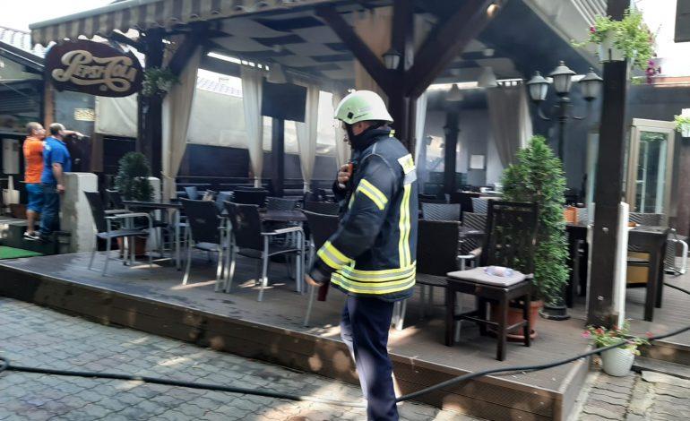 ACUM! Arde restaurantul Old House din Curtea de Arges