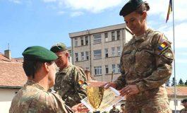 VIDEO! Liviu Enache si Oana Ispas, militarii argeşeni premiaţi la competiția SUBOFIŢERUL/SOLDATUL ANULUI 2019