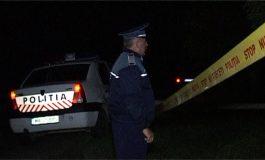 CRIMĂ LA AREFU! Tânăr de 27 ani înjunghiat de vecin