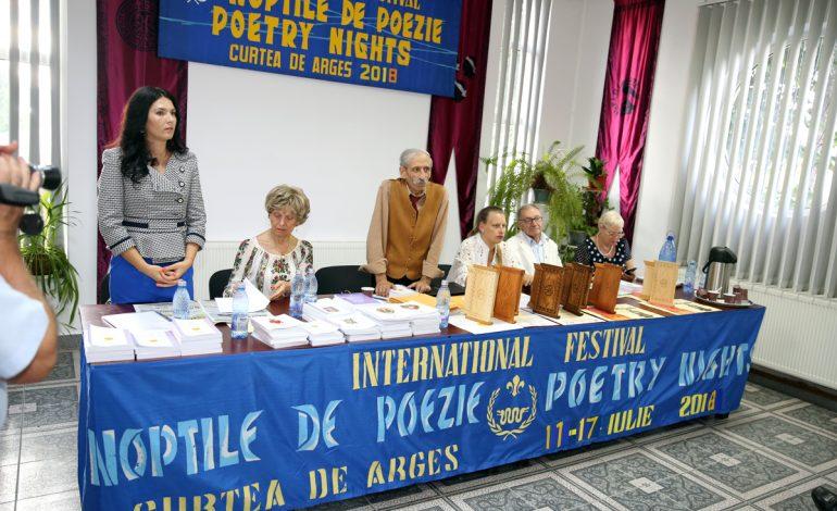 Capitala mondială a poeziei se mută la Curtea de Argeş – Începe FESTIVALUL INTERNAȚIONAL NOPȚILE DE POEZIE