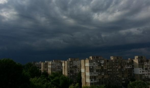 Anunț de ULTIMĂ ORĂ de la meteorologi pentru Argeş – Cod galben de ploi torenţiale și vijelii în 17 judeţe