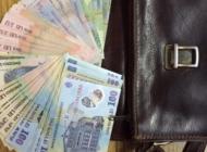 Un argeşean a găsit o geantă cu bani în parcare şi s-a făcut nevăzut !