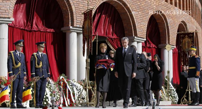 Iar funeralii la Curtea de Argeș – Argeşenii nu mai vor înmormântări regale ! CE SPUN OAMENII