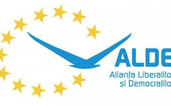 ALDE trece la atac: 'E o fantomă trădătoare care bântuie prin Parlament în căutarea busolei politice'