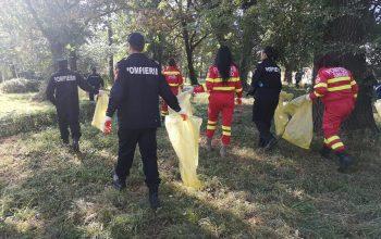 Elevii şi pompierii argeşeni ne-au predat azi lecţia curăţeniei !