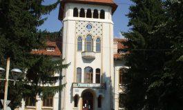 Elevi în arest după bătaie in fața Liceului Regele Mihai I din Curtea de Argeș - PROCURORUL I-A ELIBERAT SUB CONTROL JUDUCIAR