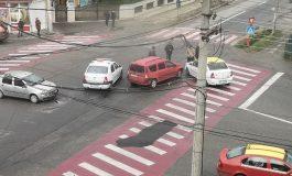ACUM! Accident cu TAXI-ul la Ivancea IMPLICATĂ ȘI O MAȘINĂ DE ȘCOALĂ DE ȘOFERI