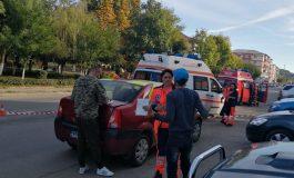VIDEO și FOTO ! ACUM, ACCIDENT grav în Curtea de Argeș - 3 masini implicate